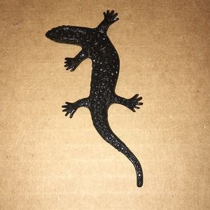 Lizard pin.